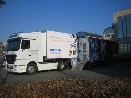 Budapesten a Nokia Nseries kamion