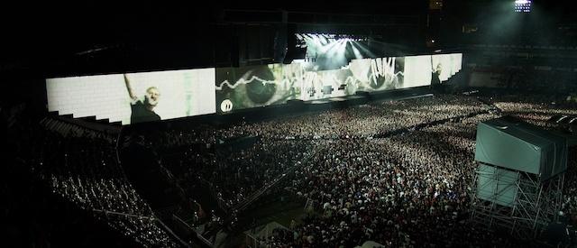 Ismét Budapestre jön Roger Waters A fal show-val