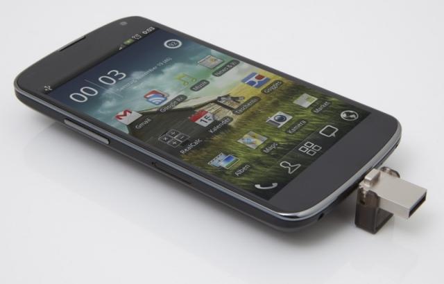 Kingston DataTraveler microDuo: okostelefonokhoz is használható pendrive
