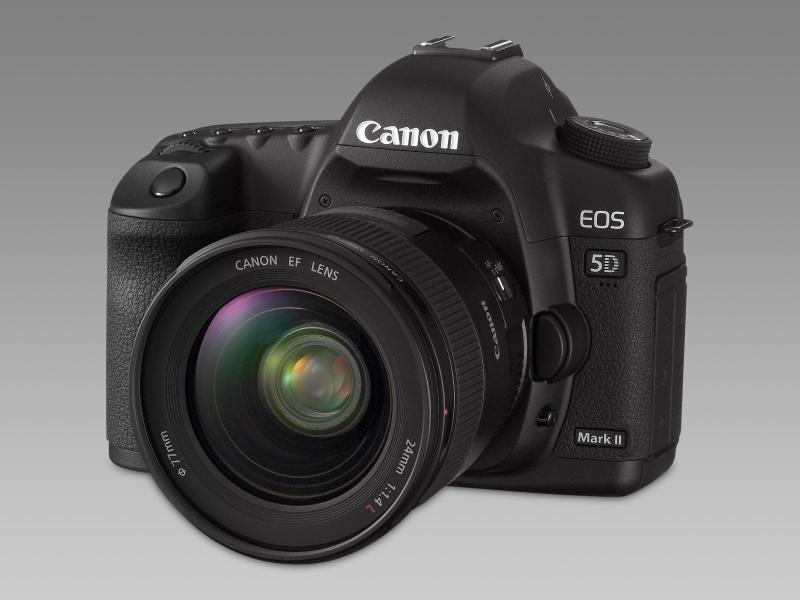 Érkezik a Canon EOS 5D Mark II