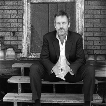 Hugh Laurie New Orleans-i blues albummal jelentkezik