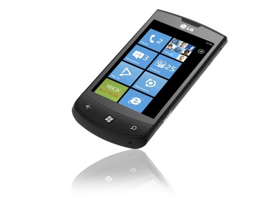 LG Optimus 7: hamarosan érkezik a Windows Phone 7-es mobiltelefon